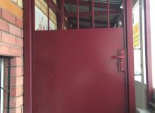 Дверь ул.Побежимова д.36